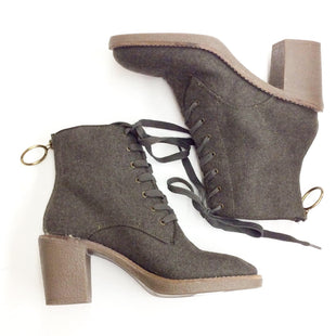 Primary Photo - BRAND: LUCKY BRAND STYLE: BOOTS ANKLE COLOR: GREY SIZE: 8.5 SKU: 180-18071-6905