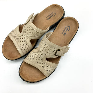 Primary Photo - BRAND: CLARKS STYLE: SANDALS FLAT COLOR: CREAM SIZE: 7 SKU: 180-18038-97465