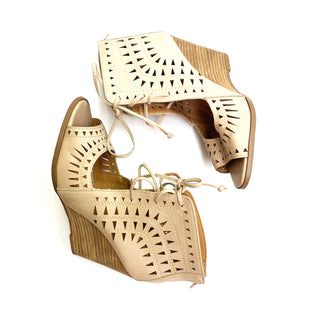 Primary Photo - BRAND:    CLOTHES MENTOR STYLE: SANDALS LOW COLOR: NUDE SIZE: 8 OTHER INFO: CCOCCI - SKU: 180-18071-6781
