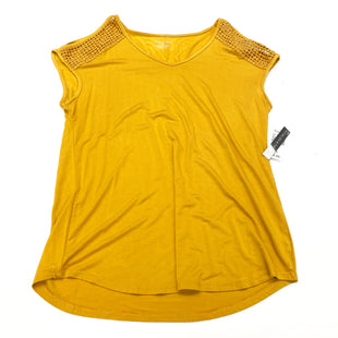 Primary Photo - BRAND: CHELSEA AND THEODORE STYLE: TOP SHORT SLEEVE COLOR: MUSTARD SIZE: S SKU: 180-18083-25206