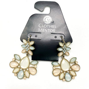 Primary Photo - BRAND:    CLOTHES MENTOR STYLE: EARRINGS SKU: 180-18057-13955