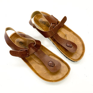 Primary Photo - BRAND:    CLOTHES MENTOR STYLE: SANDALS FLAT COLOR: BROWN SIZE: 8 OTHER INFO: RK COLLECTIONS - SKU: 180-18057-13893