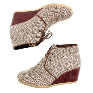 Primary Photo - BRAND: TOMS STYLE: BOOTS DESIGNER COLOR: BROWN SIZE: 7.5 SKU: 180-18038-93734