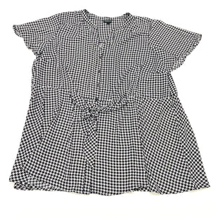 Primary Photo - BRAND: TORRID STYLE: BLOUSE SHORT SLEEVE COLOR: HOUNDSTOOTH SIZE: 3X SKU: 180-18083-24878