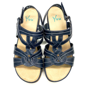 Primary Photo - BRAND: YUU COLLECTION STYLE: SANDALS FLAT COLOR: NAVY SIZE: 9 SKU: 180-18038-104660