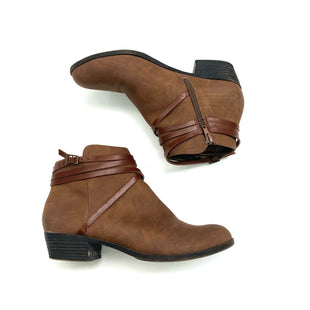 Primary Photo - BRAND: MADDEN GIRL STYLE: BOOTS ANKLE COLOR: BROWN SIZE: 9 SKU: 180-18072-2490