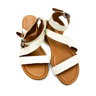 Primary Photo - BRAND: FRANCO SARTO STYLE: SANDALS FLAT COLOR: CREAM SIZE: 8 SKU: 180-18038-98634