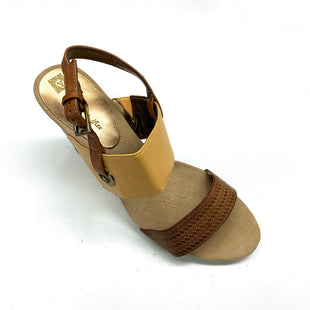 Primary Photo - BRAND: ANNE KLEIN O STYLE: SANDALS LOW COLOR: YELLOW SIZE: 8.5 SKU: 180-18038-93989