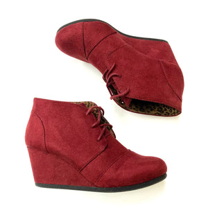 Primary Photo - BRAND: MAURICES STYLE: BOOTS ANKLE COLOR: MAROON SIZE: 8 SKU: 180-18083-15407