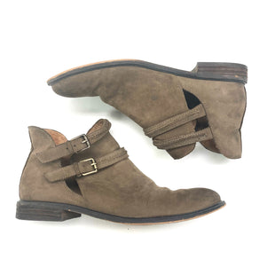 Primary Photo - BRAND: CORSO COSMO STYLE: BOOTS ANKLE COLOR: TAN SIZE: 7.5 SKU: 180-18057-11939