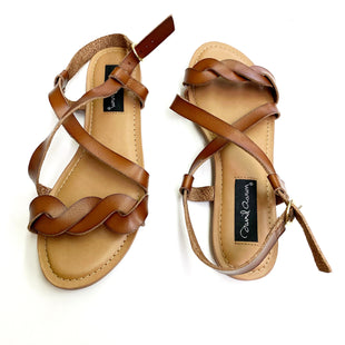 Primary Photo - BRAND:    CLOTHES MENTOR STYLE: SANDALS FLAT COLOR: BROWN SIZE: 8 OTHER INFO: DAVID AARON - SKU: 180-18038-90822