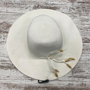 Primary Photo - BRAND:    CLOTHES MENTOR STYLE: HAT COLOR: WHITE SKU: 180-18038-106138