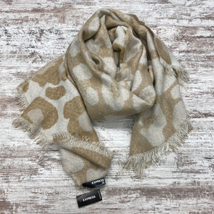Primary Photo - BRAND: EXPRESS STYLE: SCARF WINTER COLOR: TAN OTHER INFO: NWT RETAILS $39.90 SKU: 180-18071-11498