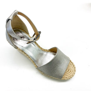 Primary Photo - BRAND: VINCE CAMUTO STYLE: SANDALS LOW COLOR: SILVER SIZE: 8.5 SKU: 180-18083-16498