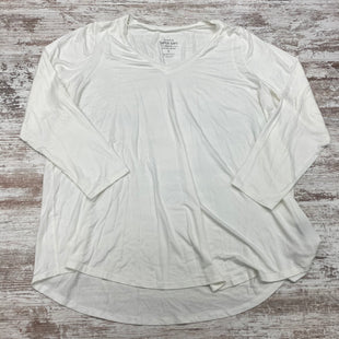 Primary Photo - BRAND: TORRID STYLE: TOP LONG SLEEVE BASIC COLOR: WHITE SIZE: 3X SKU: 180-18083-24862