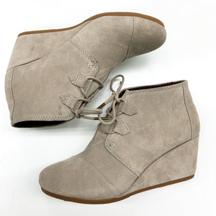 Primary Photo - BRAND: TOMS STYLE: BOOTS DESIGNER COLOR: SAND SIZE: 10 SKU: 180-18038-98007