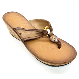 Primary Photo - BRAND: CLARKS STYLE: SANDALS LOW COLOR: TAN SIZE: 8.5 SKU: 180-18071-11614