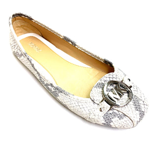 Primary Photo - BRAND: MICHAEL KORS STYLE: SHOES FLATS COLOR: GREY SIZE: 9 SKU: 180-18057-11541
