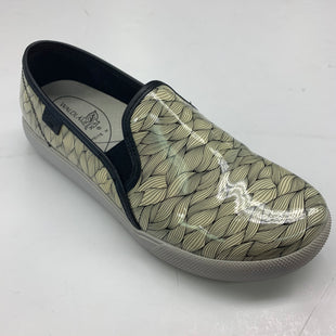 Primary Photo - BRAND: WALDLAUFERSTYLE: SHOES FLATS COLOR: WHITE BLACK SIZE: 9 SKU: 180-18038-87984