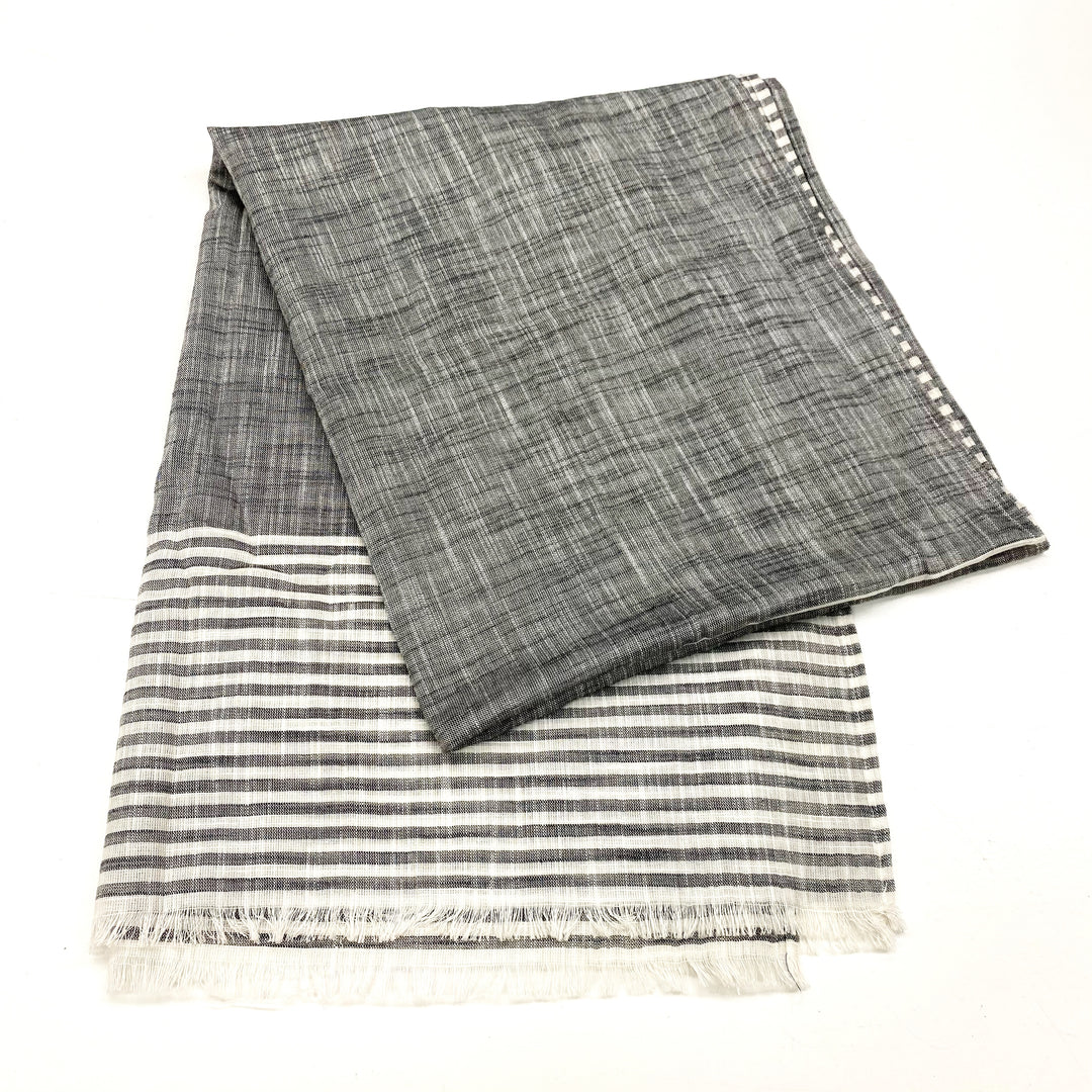 Photo #1 - BRAND:    CLOTHES MENTOR <BR>STYLE: SCARF <BR>COLOR: GREY WHITE <BR>SKU: 180-18071-9509