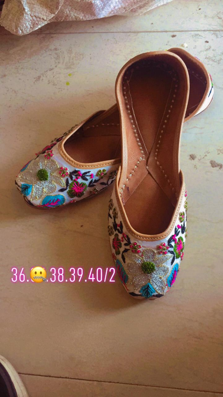 Embroidery Flower Design Punjabi Juttis Online Shopping