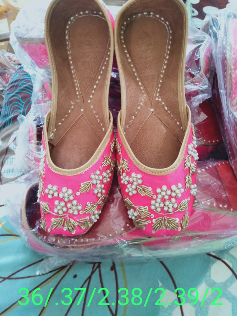 Pink Embroidered Women's Punjabi Juttis India Online