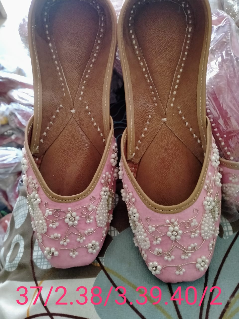 Ladies Punjabi Jutti Handmade In Light Pink Color