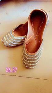 Pearl Amazing Designs of Punjabi Jutti for Women