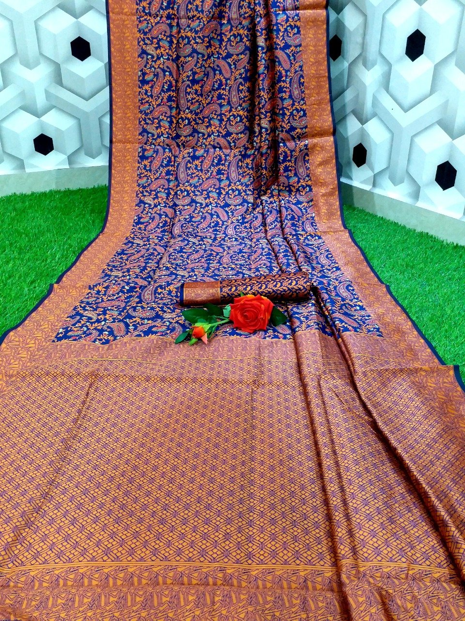Women's Woven Design Banarasi Saree