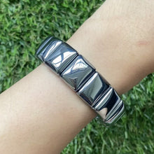 Load and play video in Gallery viewer, Terahertz Rectangular Bracelet