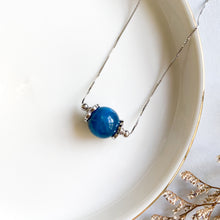 Load image into Gallery viewer, Apatite Solitaire Necklace