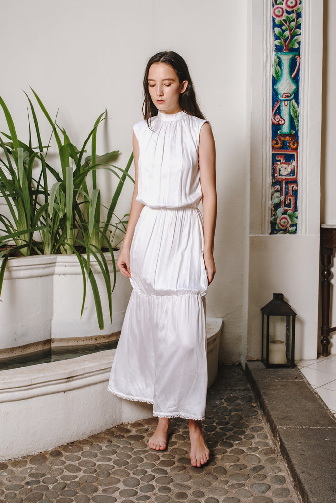 RW19 - White Cotton Satin Long Dress RW1001W