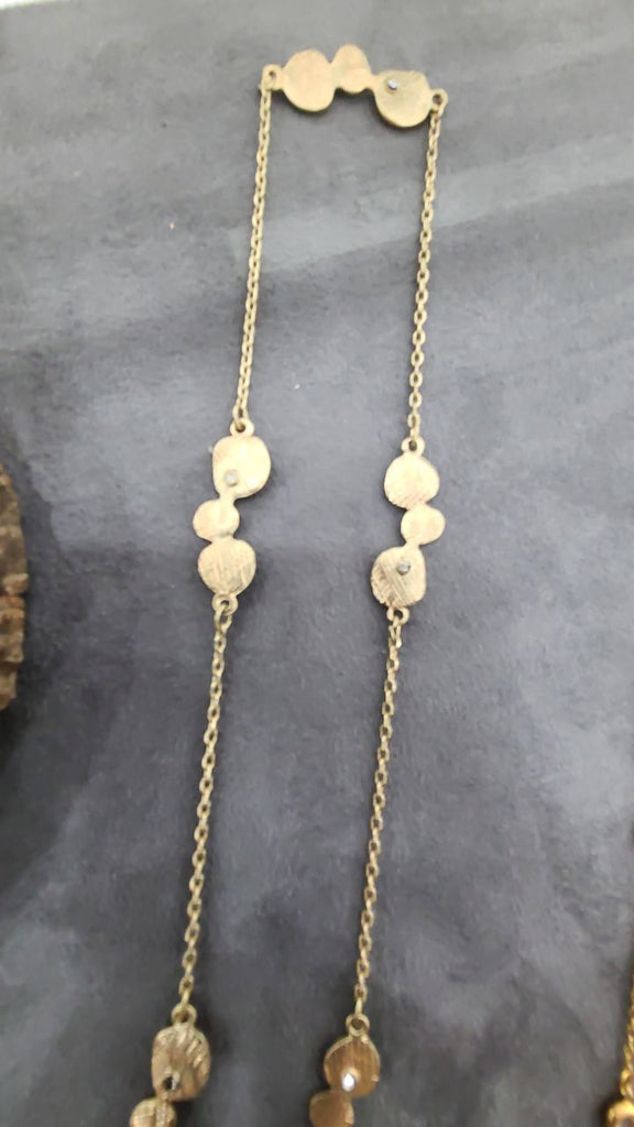 3 gold circles necklace