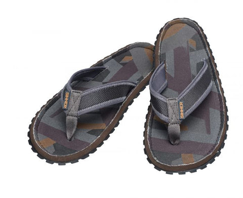 Sinner Beach Slaps III Dark Grey The SINNER Bagu flip flops, have a durable and comfortable sole and PU leather and colored braided straps with metal pin logo. The PU leather top layer is decorated with an debossed graphic print. Available in the sizes 36-41