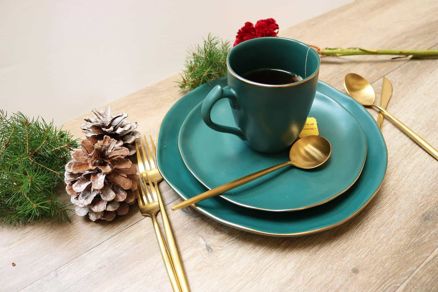 Pine Green Dinnerware Set-16 Pieces