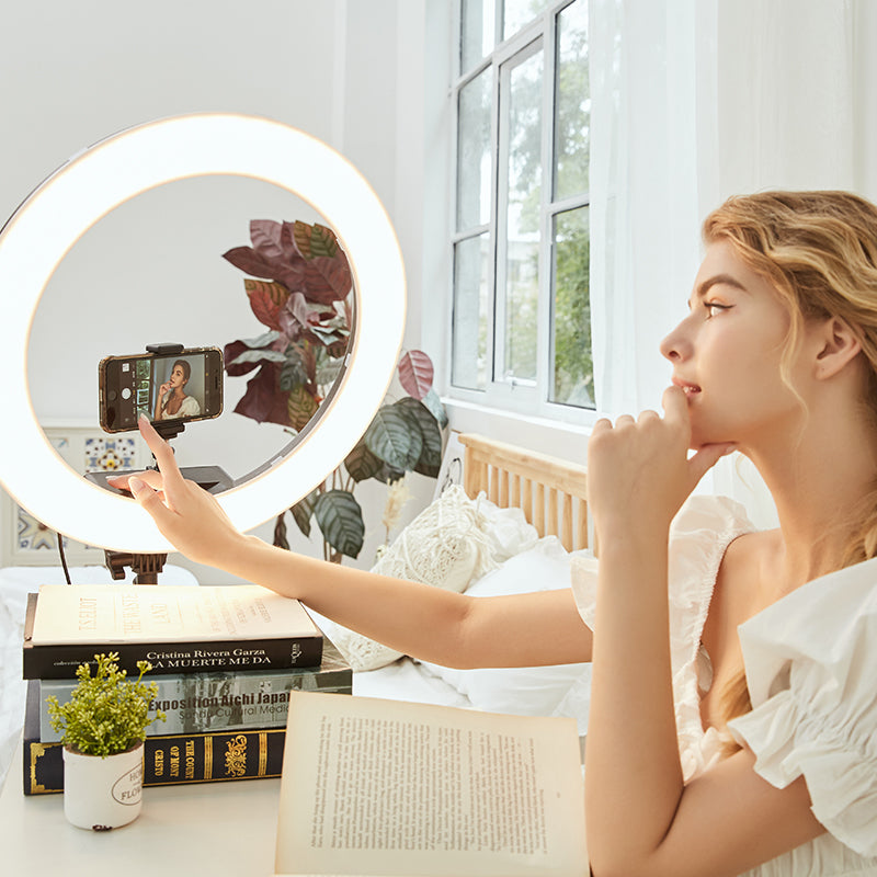 ringlightus 18 inch ring light for create bright and clear selfies