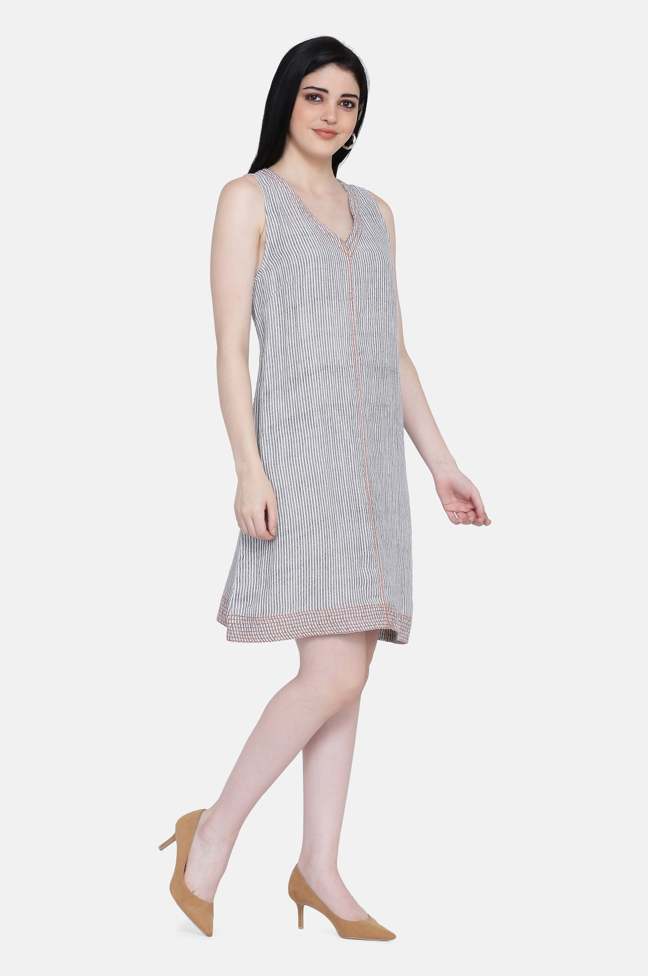 The Evie Linen Dress