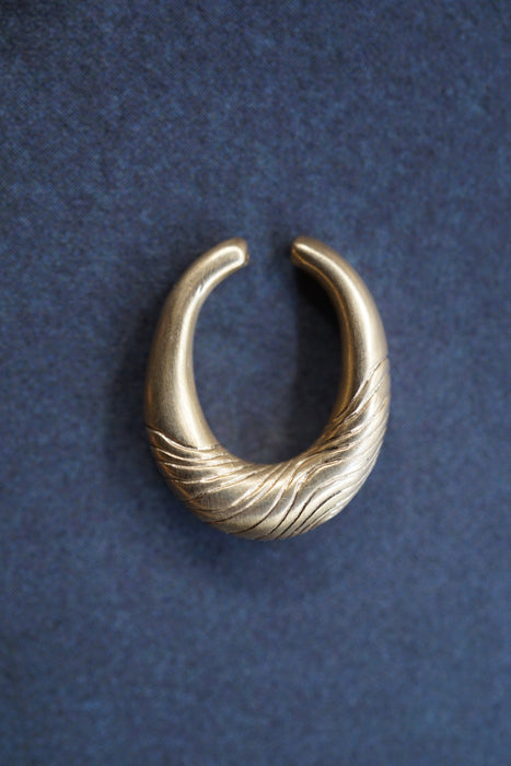 8UEDE<br>PURE TAO EARCUFF /S<br>in GOLD