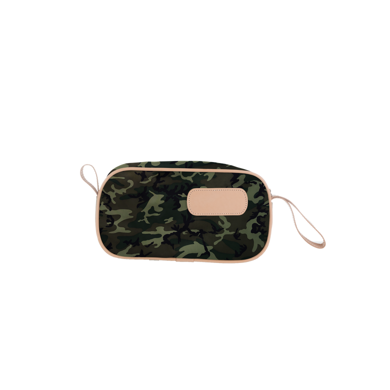 Shave kit front view in Color 'Classic Camo Coated Canvas'