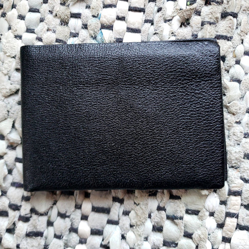 Kingspier Vintage - Vintage Imported English Morocco Wallet. Fine natural pebbled grain leather as new.