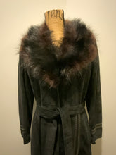 Load image into Gallery viewer, Jeno de Paris 1970's black suede full length coat with black leather detailing and mahogany coloured fur collar. This coat features front pockets, button closures, a belt and a quilted lining. Made in Montreal.