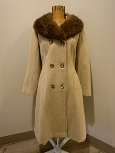 Iconic Canadian brand Sears The Fashion Place 100% pure virgin wool coat in beige with fur trim collar. This coat is double breasted with buttons, front pockets and a lovely belt detail in the back.