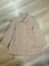 Load image into Gallery viewer, Kingspier Vintage - D'allavid's beige/pink wool car coat with pink front buttons and welt pockets. Made in Canada. Fits a size small.