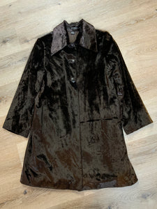 Isda & Co dark brown car coat with buttons, front welt pockets and two inside pockets. Fits a size 1.