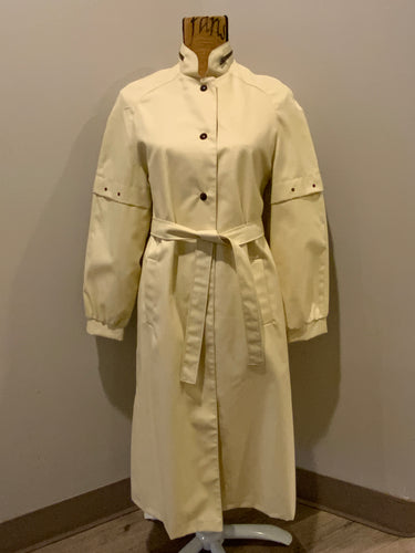Kingspier Vintage - Westfield single breasted trench coat in cream with belt, snap closures, welt pockets and zip detail in collar. Made in Winnipeg, Canada. NWT, Size 8.