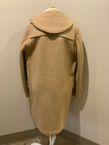 Tip Top beige textured wool duffle coat with hood, zipper, wooden toggles and flap pockets. Size 38.