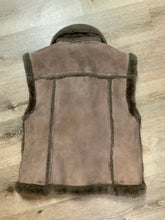 Load image into Gallery viewer, Anne Klein brown shearling vest with shearling trim and zipper closure.