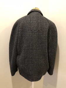 Enrico Celli grey plaid wool harrington jacket with zipper, three slash pockets and a quilted olive colour lining. Made in Italy.
