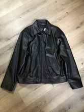 Load image into Gallery viewer, Beardmore black leather jacket with zipper and slash pockets. Size large.
