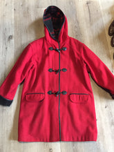 Load image into Gallery viewer, Kingspier Vintage - Club Manteau red wool blend duffle coat with hood, toggles, flap pockets and thin black leather trim. Size is small